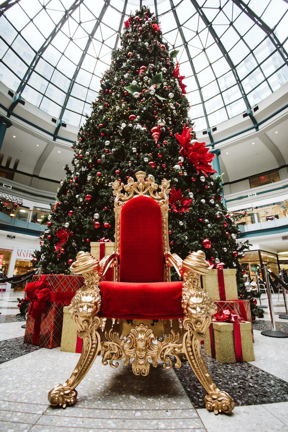 Shops at Liberty Santa Throne PC Lexy Peirce