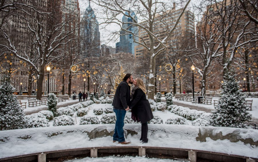 rittenhouse-square-winter-engagement-photos-black-white-raw-photography